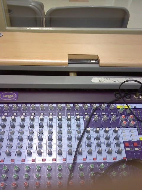 뉴믿음관- 잘못된 방송실 사용